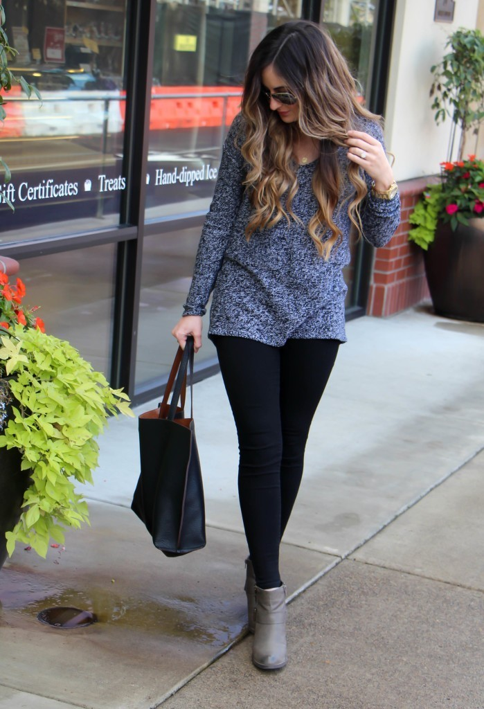 BLACK MARLED SWEATER